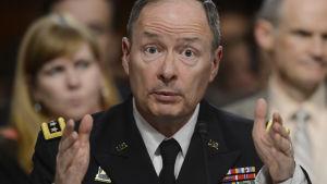 NSA:n johtaja Keith Alexander senaatissa 12.6.2013