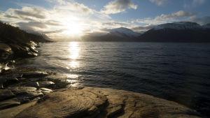 Maisema Jäämeren rannikolta.