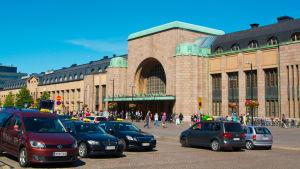 Taxibilar vid centralstationen i Helsingfors