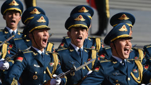 Folkets befrielsearmè I Kina moderniseras och skärs ner för att göra den mer professionell