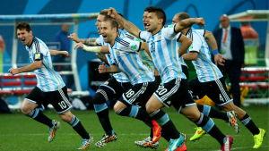 Nederländerna inledde straffsparkstävlingen men Argentina fick jubla när laget vann och tog sig till VM-final 2014.