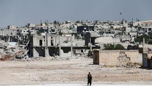 den kurdiska staden Kobane som har utsatts för IS-angrepp sedan år 2014, äör en av de tre enklaver som utgör Rojava eller Västkurdistan