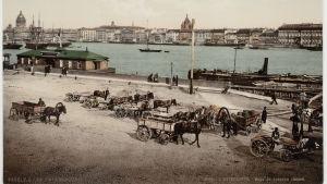 Vanha postikortti Pietarista