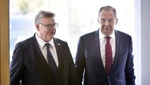 Utrikesministrarna Timo Soini och Sergej Lavrov på Haiko gård 4.5.2017