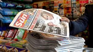 Första upplagan av The Sun on Sunday, 26 februari 2012