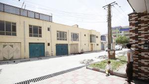 Den byggnad i Kabul där en tysk biståndsarbetare dödades och en finsk kvinna kidnappades den 21 maj 2017.
