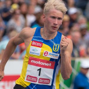 Samuli Samuelsson löper.
