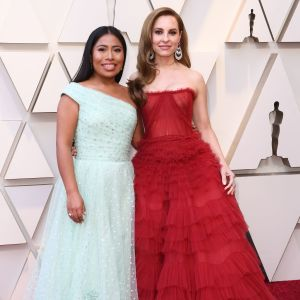 Yalitza Aparicio och Marina de Tavira på Oscarsgalan 2019