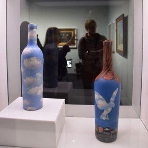 René Magritte: Himmelsflaska (ca 1943) och Havslandskap med fågel (1961)