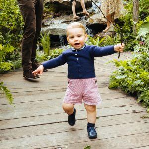 Hertiginnan Kates och prins Williams son Louis