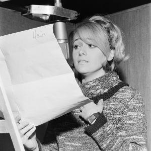 Marion Rung äänittämässä laulua 1967, Eurovision laulukilpailujen Suomen karsinta