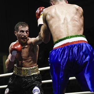 Edis Tatli är boxare.