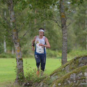 Venla Harju suunnistaa keskimatkan finaalissa pronssille suunnistuksen MM-kilpailuissa Norjassa 2019