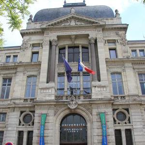 Universitetet i Lyon.