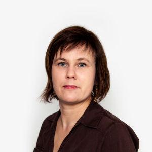 Carmela Walder, politisk reporter