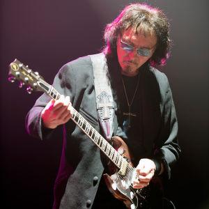 Tony Iommi Black Sabbathin viimeisessä konsertissa