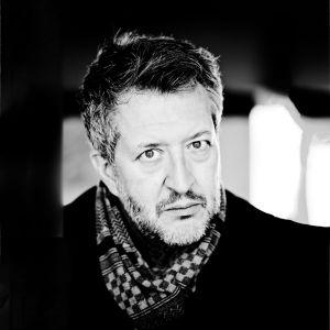 Kuvassa säveltäjä Thomas Adès.