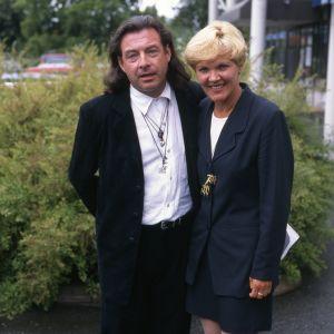 Kirka ja hänen vaimonsa Paula Nummela (1990-luku)