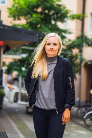 Porträtt på Maria Ohisalo, fattigdomsforskare och vice ordförande för De Gröna.