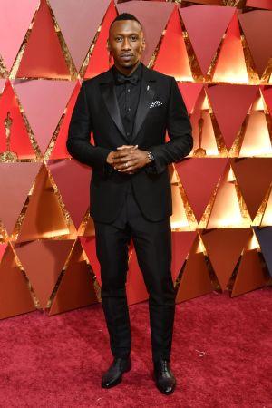 Mahershala Ali på röda mattan inför Oscarsgalan 2018.