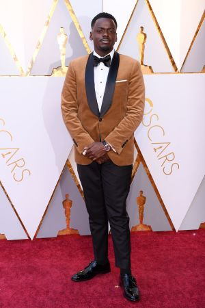 Daniel Kaluuya på röda mattan inför Oscarsgalan 2018.