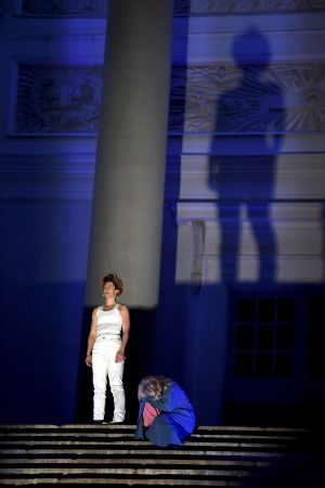 Maria Ylipää spelar Jesus i Via Crucis.