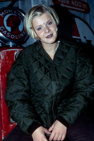 Bild på en ung Robyn år 1998.