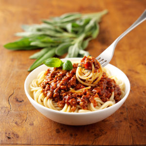 En tallrik spaghetti med quorn-tomatsås.