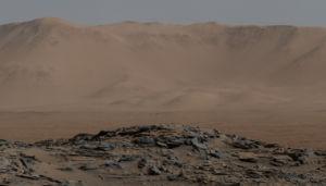 Foto taget av Curiosity - Naukluft-platån i Gale-kratern