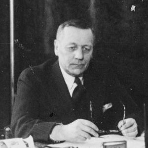 Enso-Gutzeit Oy:n toimitusjohtaja, varatuomari Väinö Kotilainen työhuoneessaan 30-luvulla
