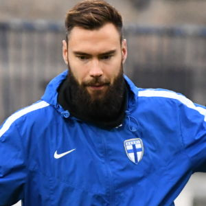 Tim Sparv tränar i landslaget.