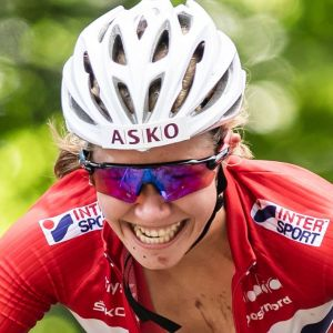 Helene Marie Fossesholm cyklar.