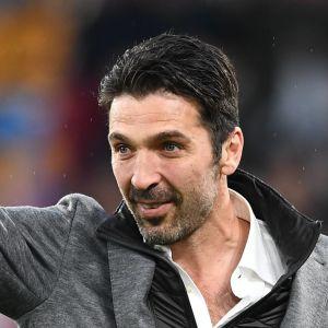 I maj deltog Gianluigi Buffon i Juventus mästerskapsfestligheter i Turin.