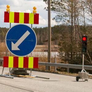 Trafikljus vid ett vägarbete