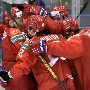 Ryssland jublar efter mål i JVM.
