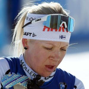 Kaisa Mäkäräinen vid vallen (byline).