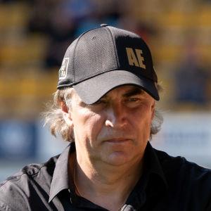 Alexej Eremenkos SJK åkte på en hemmaförlust mot FC Honka.