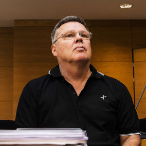 Kuvassa on Jari Aarnio Helsingin käräjäoikeudessa syyskuussa 2020.