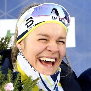 Minkens Julia Häger med sitt silver i FM i Vörå.