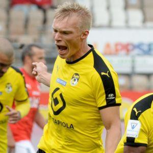 KuPS firar efter mål mot HIFK 2020.