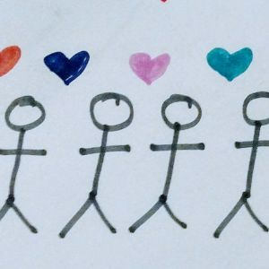 streckfigurer som alla håller varandra i handen med symboler av hjärtan mellan dem