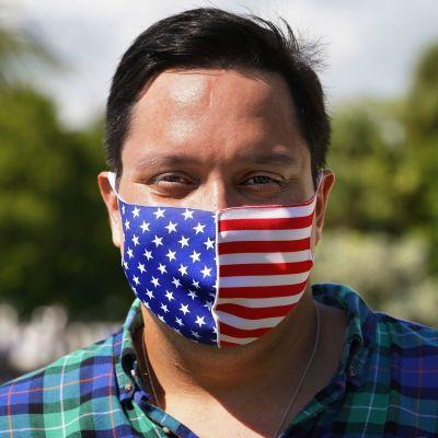 26-vuotias äänestäjä David Acosta Miamissa Floridassa.
