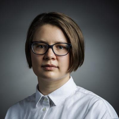 Kuvassa on vapaa toimittaja Anna-Sofia Nieminen lokakuussa 2020.