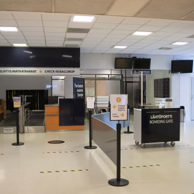 Lappeenrannan lentokentän lähtöaula.