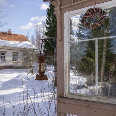 Omakotitalo harvaanasutulla alueella (Andersby)