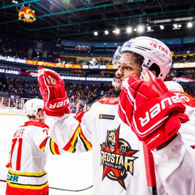I januari gästade Devante Smith-Pellys Kunlun Helsingfors.