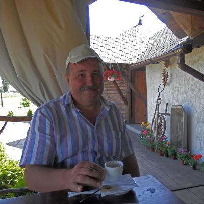 Sergej Vlesjenko har slutat med lantbruk och tar numer emot turister på sin gård i stället.