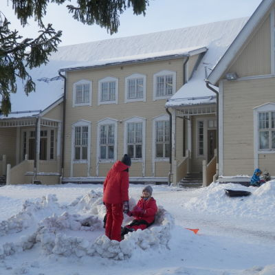 Den äldre skolbyggnaden vid Vestersundsby skola