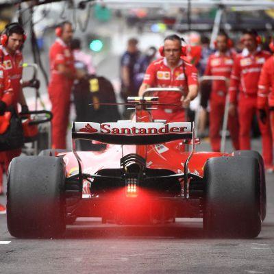 Kimi Räikkönen på depån, Spa 2017.