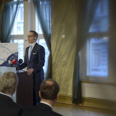 Finansminister Stubb håller tal inför Snellmanstiftelsen